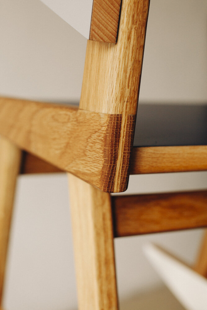 07-OWL-formica-collection-chair-detail